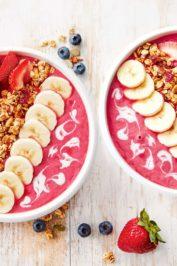 Смузи-боул: три рецепта модного завтрака